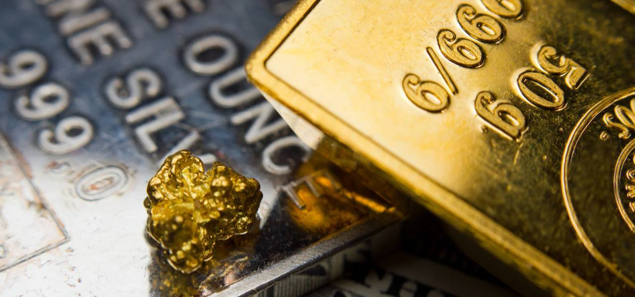 Gold prices go down from 1-month maximum as risk sentiment gets back